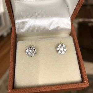 18K Diamond Flower cluster earrings